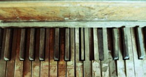 immagine pianoforte da restaurare