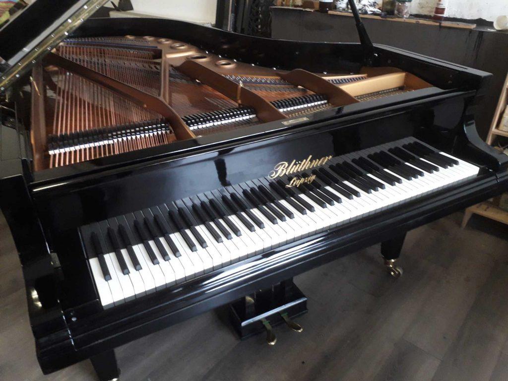 pianoforte a coda Bluthner 210 in vendita  a milano